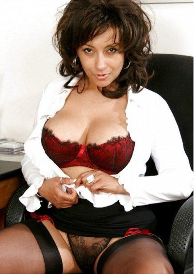 Проститутка Нелия